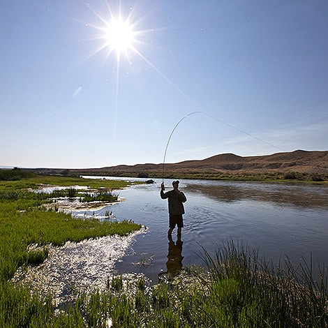 Fly-Fishing-On-A-Sunny_day-in-Wyoming
